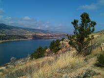 Pferdezahn-Reservoir über Fort Collins Colorado stockfoto