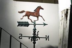 Pferdweathervane lizenzfreie stockfotos