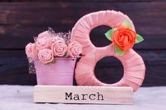 Pfirsich acht, Blumen, Wort März Stockfotos