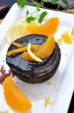 Pfirsich auf Schokolade Lava Cake Lizenzfreie Stockfotografie