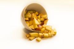 Pfirsich in der weißen Schüssel Lizenzfreies Stockfoto
