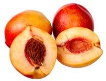 Pfirsich getrennt auf einem weißen Hintergrund. Lizenzfreies Stockfoto