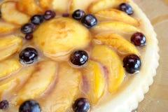 Pfirsich und Traubenkuchen Stockfotos