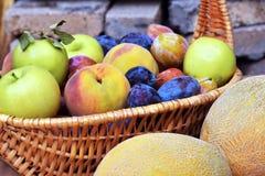 Pfirsichapfel und -pflaume Lizenzfreies Stockfoto