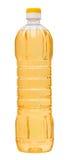 Pflanzenöl in einer Plastikflasche an lokalisiert Lizenzfreies Stockfoto