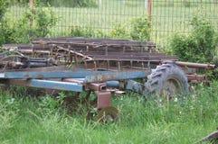 Pflug verlassen auf einem Feld Lizenzfreies Stockfoto