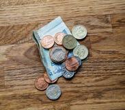 Pfund auf Tabelle im Luxusrestaurant Stockbild