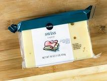 1 Pfund-Block des Publix-Marken-Schweizer Käses Lizenzfreies Stockfoto