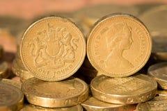 Pfund-Münzen-Köpfe und Endstücke der Vorlagen-1983 englische Stockfoto