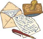 Página escrita à mão com a pena, o envelope e o mata-borrão vermelhos da tinta Foto de Stock