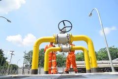 PGN augmente l'infrastructure naturelle de gazoduc à Semarang Photo stock
