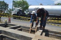 PGN breidt de Infrastructuur van de Aardgaspijpleiding in Semarang uit stock afbeelding