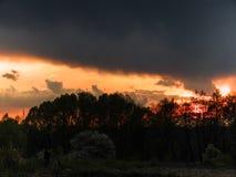 phénomène naturel du silence de coucher du soleil image stock