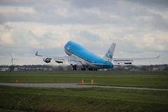 PH-BFB KLM Royal Dutch Airlines Boeing 747-406 is departing from Polderbaan. 18R - 36L on Amsterdam schiphol airport in the Netherlands stock photos
