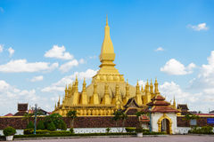 Pha那Luang stupa在万象 免版税库存图片