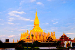 Pha που Luang, το χρυσό stupa στα περίχωρα Vientiane, Στοκ Εικόνες