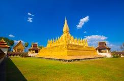 Pha которое Luang, золотое stupa на окраинах Вьентьян, Стоковые Фото