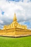 Pha что stupa Luang символ города Вьентьян, Стоковая Фотография
