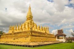 Pha что stupa Luang символ города Вьентьян, Стоковая Фотография RF