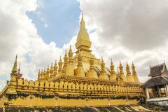 Pha что stupa Luang символ города Вьентьян, Стоковые Изображения