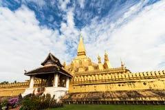 Pha det Luang tempel i Vientiane Arkivbilder