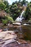 Pha Dok西埃瀑布在土井Inthanon国家公园, Chiangmai泰国 免版税库存图片