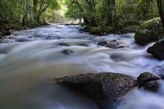 Pha Kluay MAI-Wasserfall Lizenzfreie Stockfotografie