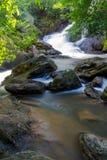 Pha Kluay MAI-Wasserfall Stockbilder