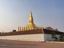 Pha Luang是一金隐蔽的大佛教stupa在cen中 库存图片