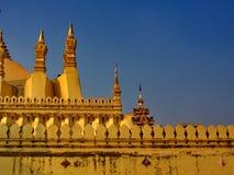Pha Luang是一金隐蔽的大佛教stupa在cen中 库存照片
