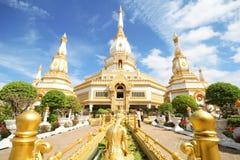 Pha Nam Yoi tempel, Roi och Thailand Arkivbild