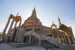 Pha Pha dolt exponeringsglas (Wat Pha Kaew) Royaltyfri Bild