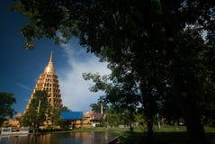 Pha que a tanga de Chedi Sri Pho é pagode em Wat Ta It, Tailândia Foto de Stock Royalty Free