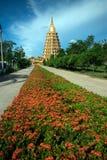 Pha que a tanga de Chedi Sri Pho é pagode em Wat Ta It, Tailândia Fotografia de Stock