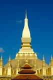 Pha qui stupa de Luang à Vientiane, les Laotiens. Photo libre de droits