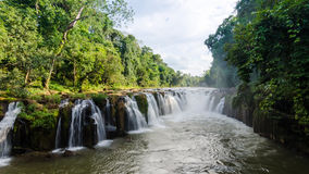 Pha Suam vattenfall, Paksa Royaltyfri Foto