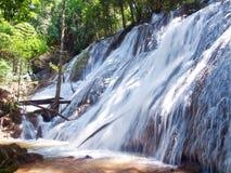 Pha Tat Waterfall Lizenzfreie Stockbilder