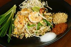 Phad тайское, тайская еда. стоковое фото