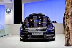 Phaeton-Exklusives MOSKAU-, RUSSLAND - Volkswagen- Lizenzfreie Stockfotos