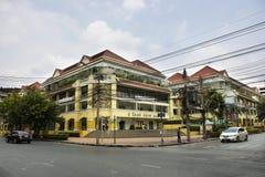 Phahurat genomskärning på den gamla Siam Plaza Wang Burapha i Bangkok, Thailand royaltyfri foto