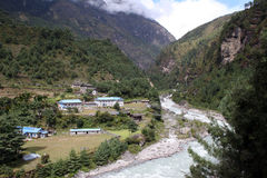 phakding χωριό του Νεπάλ στοκ φωτογραφία