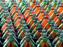 Phalanx der Flaschen Stockfoto
