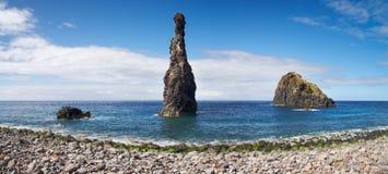 Phallic утес в океане, Мадейре Стоковая Фотография