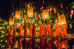 Phan Tao temple. CHIANG MAI THAILAND-NOVEMBER 08 :Unidentified monks release floating lamp made of paper annually at Phan Tao temple in Loy Krathong and Yi Peng Stock Photos