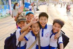 Lyckliga vietnamesiska pojkar arkivfoto