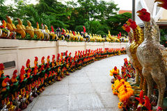 Phan wordt het Thaise Norasing Heiligdom beschouwd als symbool van eerlijkheid door de plaatselijke bevolking Vele bezoekers kome royalty-vrije stock foto