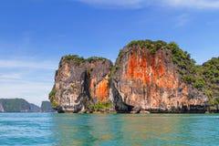 Phang Nga国家公园橙色岩石  免版税库存图片