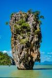 Phang Nga海湾的詹姆斯庞德海岛在普吉岛,泰国附近 免版税图库摄影