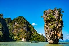 Phang Nga海湾的詹姆斯庞德海岛在普吉岛,泰国附近 免版税库存照片