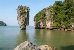 Phang Nga fjärd, James Bond Island Royaltyfri Fotografi